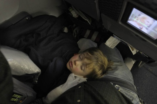 doug_asleep_on_plane_2